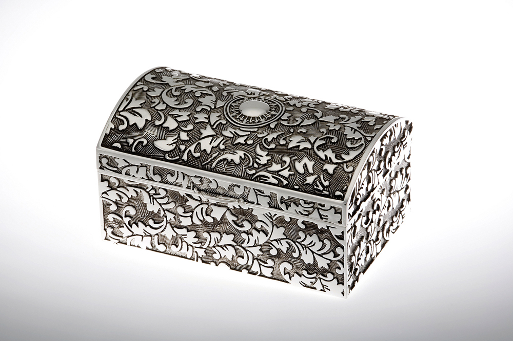 Jewelery Box Rectangular with Embossment / Antic Finish