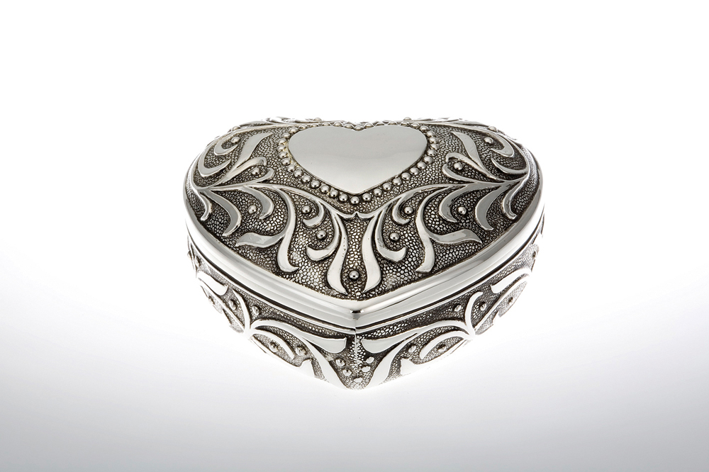 Jewelery Box Heart Shape with Floral Pattern / Antic Finish
