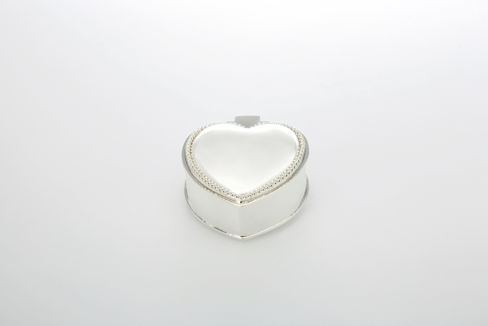 Jewelery Box Heart Shape, plain with Pearl rim